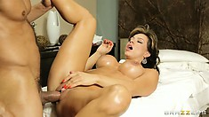 In between rubbing and sucking, she gets him to stick it in and drill