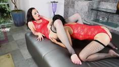 Dana Vespoli explores her foot fetish and indulges in hot lesbian sex