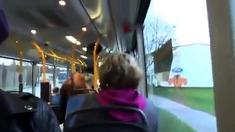 Zwei Schlampen Geben Gruppe Blasen Mich In Buss