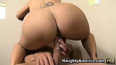Ava Addams locks her legs around sporting cock provider and gets it on